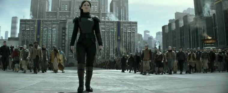 Katniss Everdeenová má sílu to změnit.
